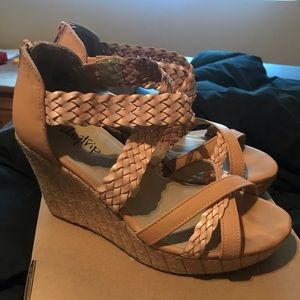 Size 9 leather wedges